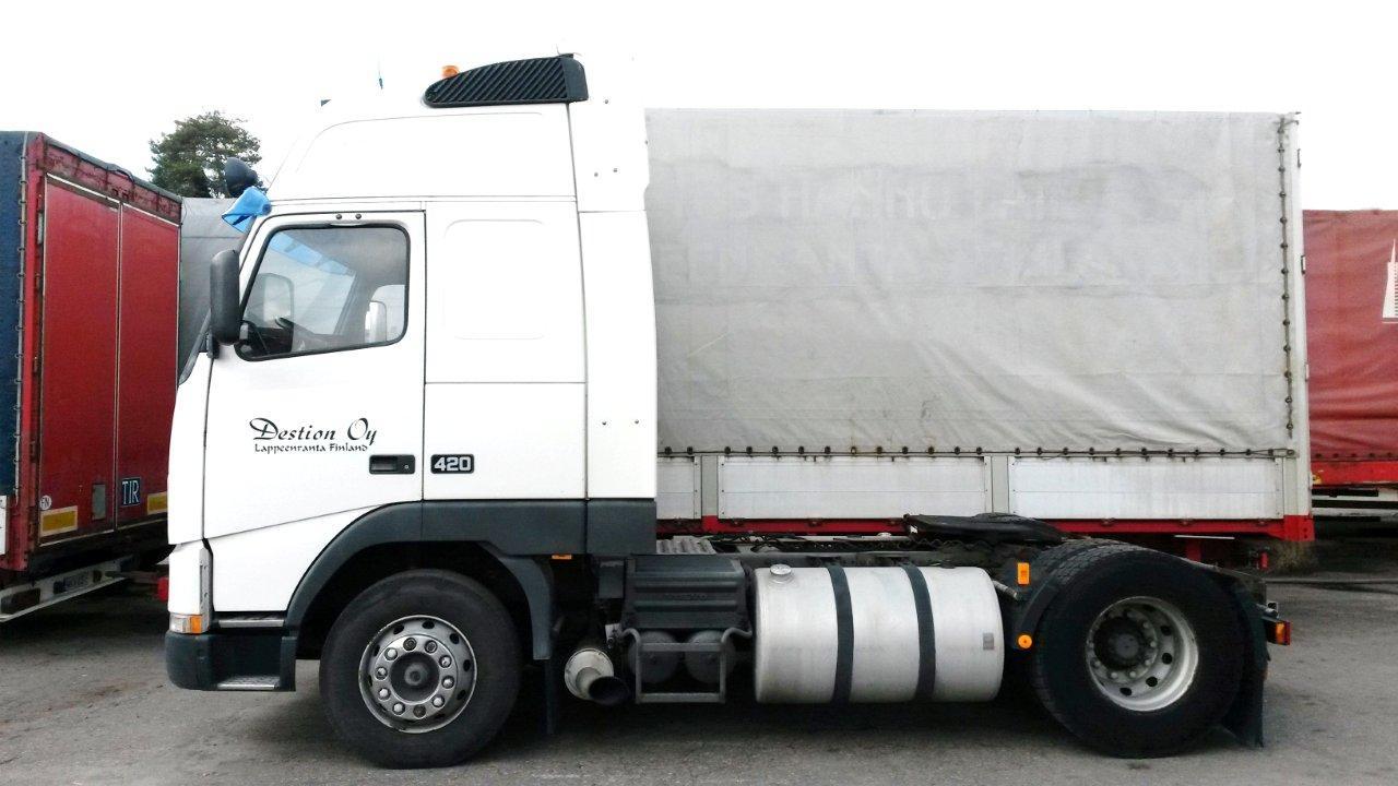 Myydään Volvo FH12 XL rekkaveturi