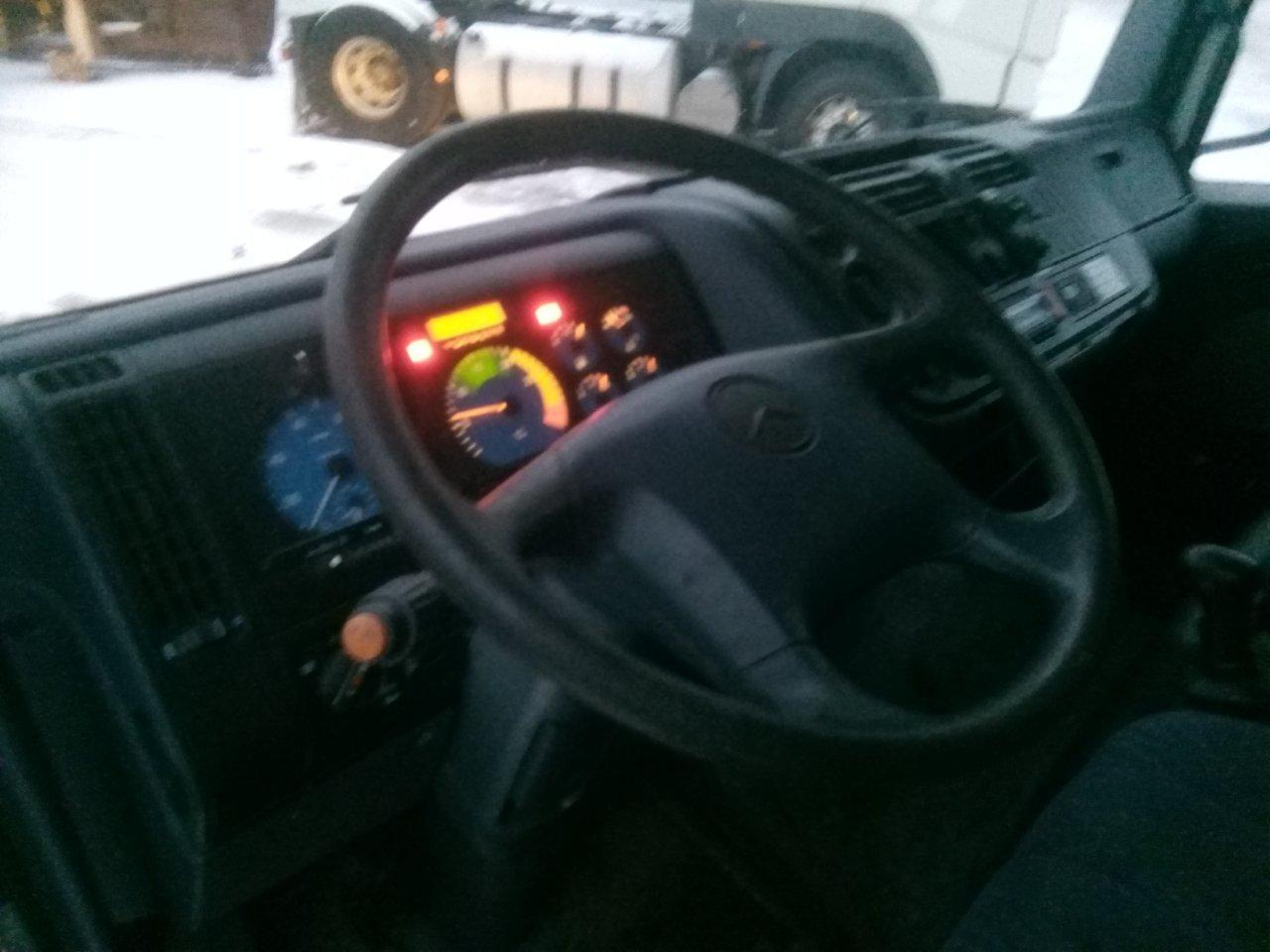 Myydään Mercedes-Benz Atego 817
