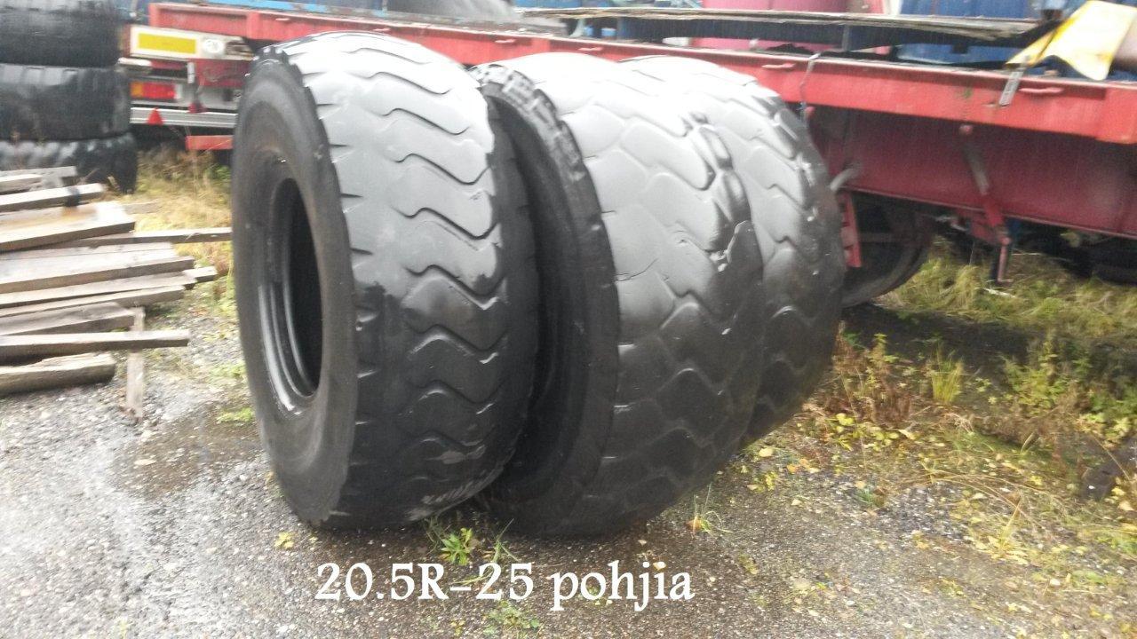 """Myytävänä 20.5""""-25 R rengaspohjat"""